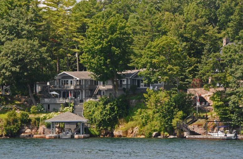 Houses along the Rockport shore.